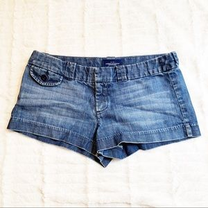 AE Favorite Jean Short size 8